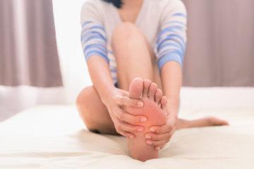 『足がじんじんします、ピリピリします、痛風ですか』