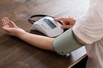 自宅で血圧測定